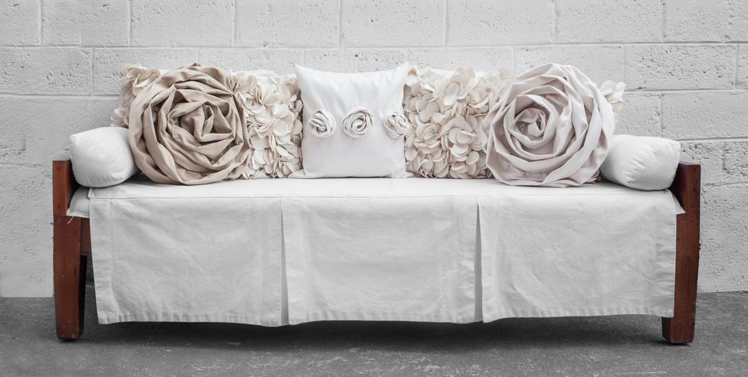 pomarosa_couch